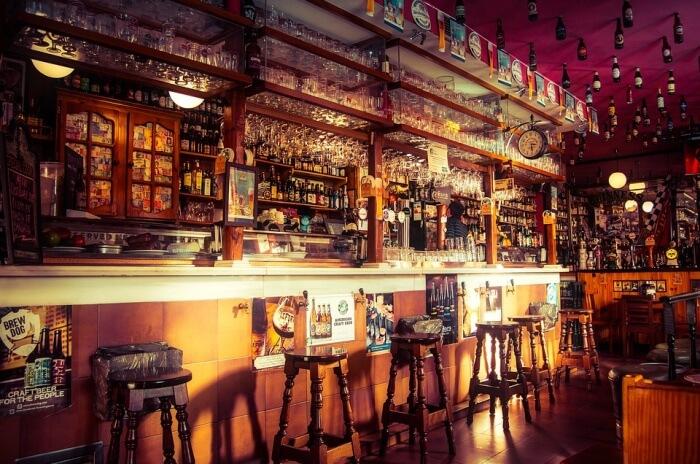 Tsalanang pub