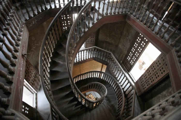 Rounded shaped stairs