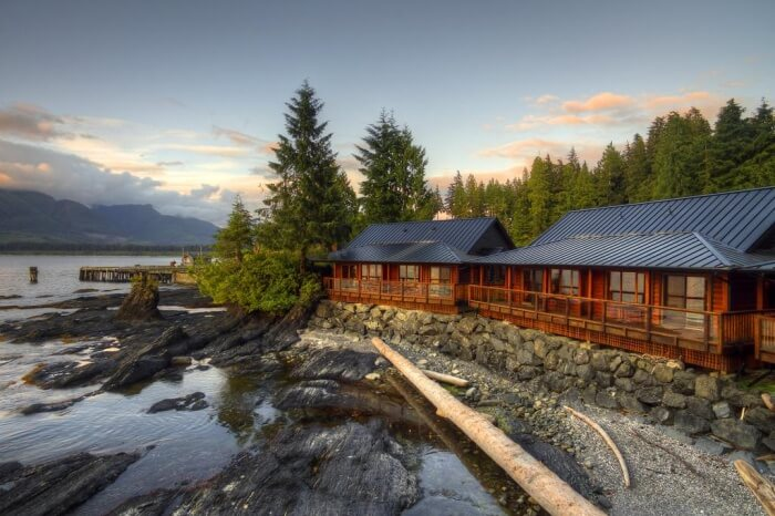 Wild Renfrew Seaside Cottage