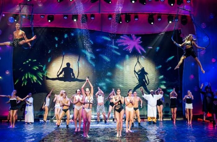 dancing show view