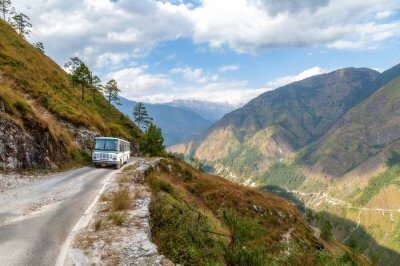 bus dehradun nepal