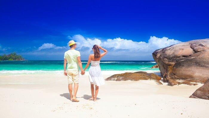 couple in seychelles