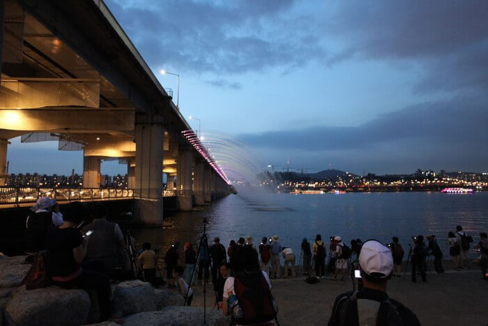 About Banpo Bridge