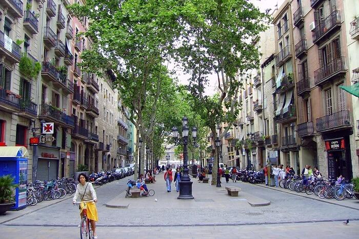 Beautiful-Streets-In-Barcelona