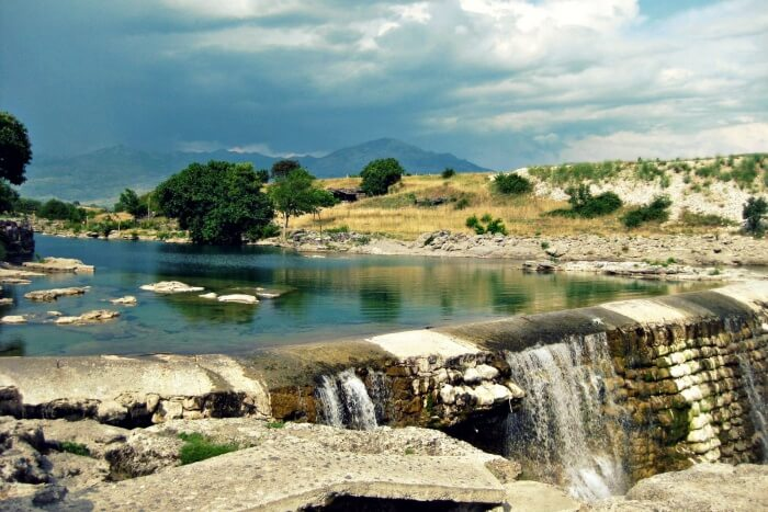 Cijevna Waterfall