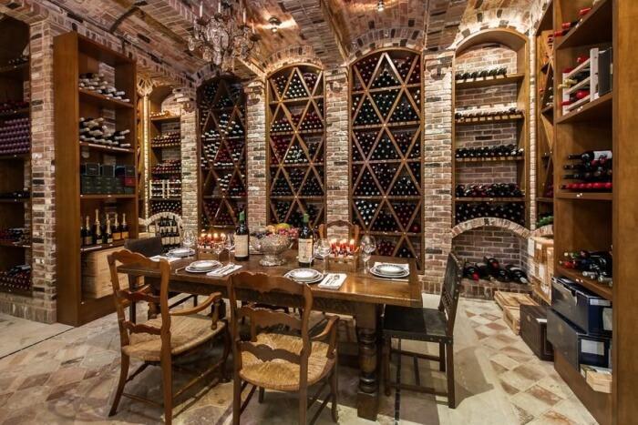 Di Wine Restaurant and Wine Cellar