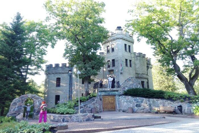 Glehn Castle