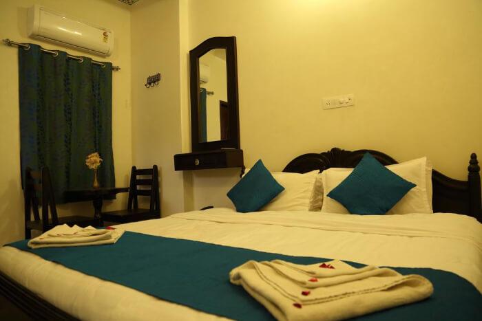 Hotel Lake Paradise in Udaipure