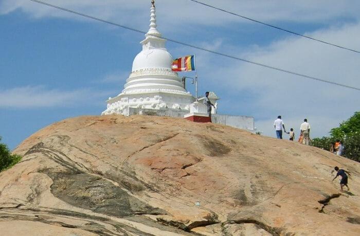 Kirinda Temple