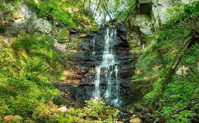 Kivisilla Waterfall