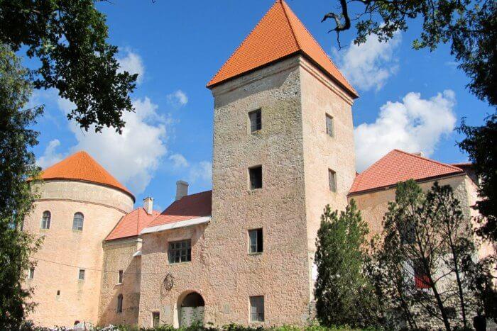 Koluvere Castle