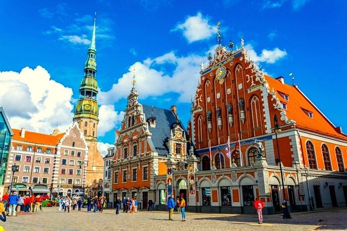 Latvia Travel Guide (Cover)
