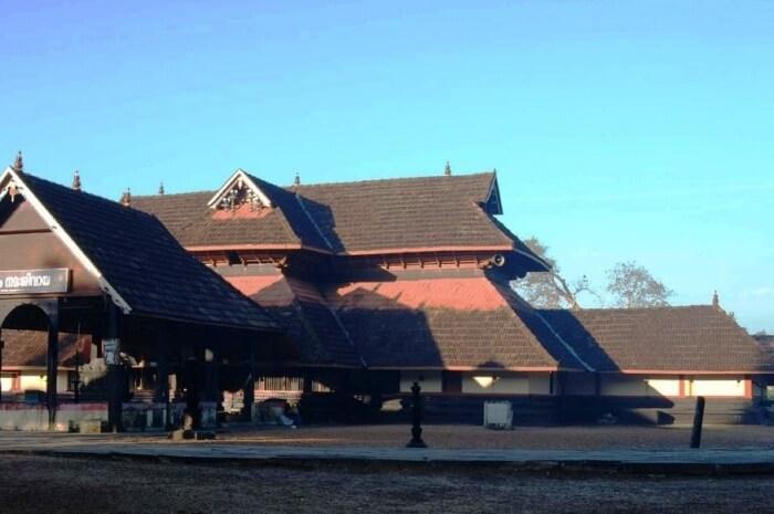 Mannar Thrikkuratti Mahadeva