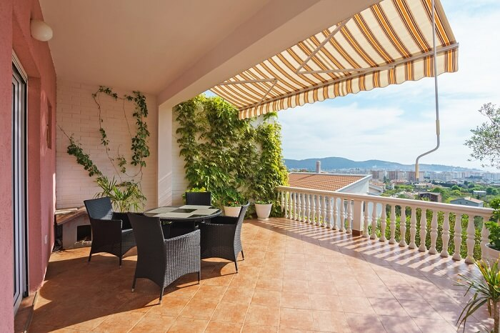 Montenegro Villas (Cover)