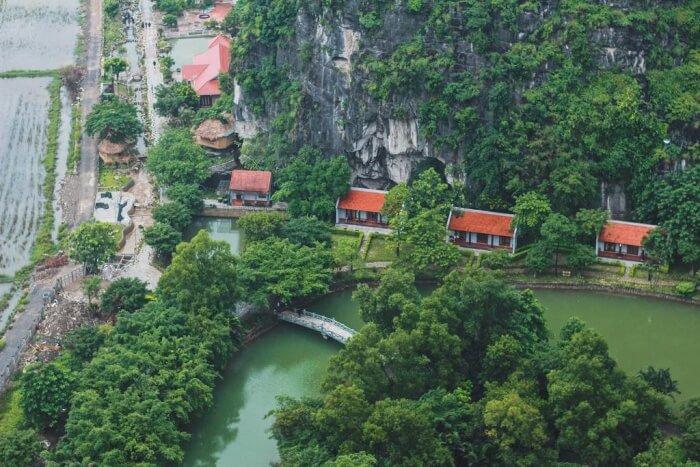 Mua Caves Ecolodge