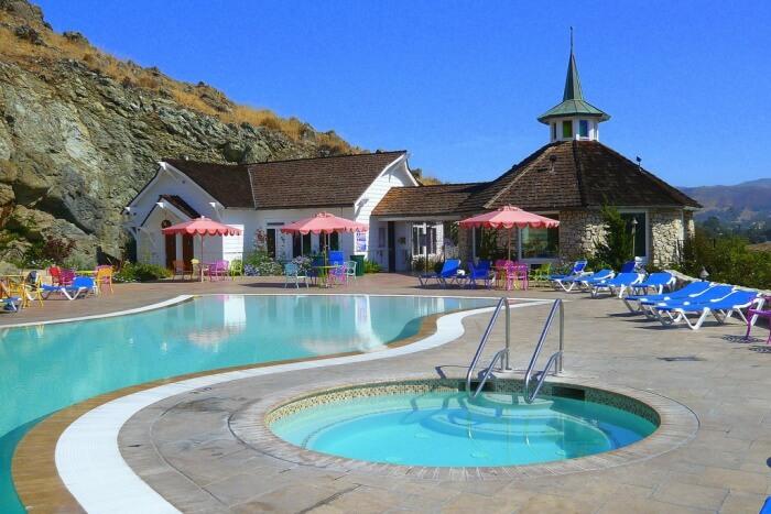 Pearson's Pond Luxury Inn and Adventure Spa