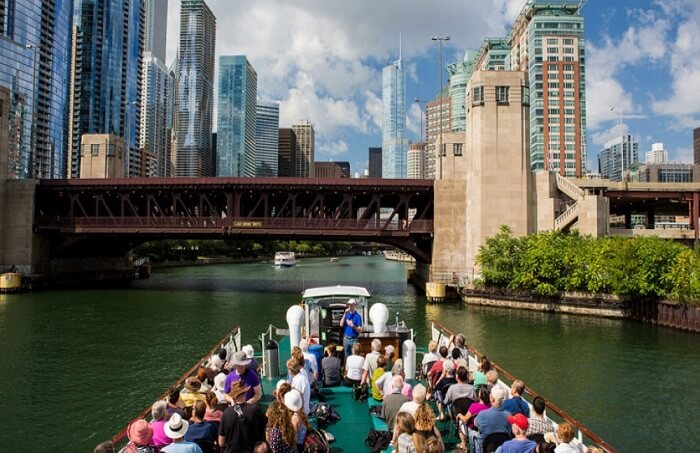 Sail away on a Chicago Boat Tour