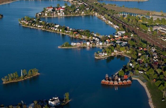Sunny Lakes