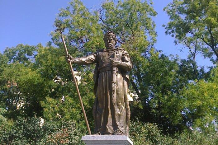 Tzar Samuil Monument