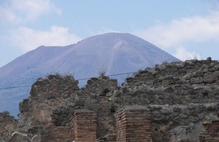 Visit Mount Vesuvius And Pompeii