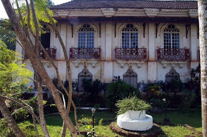 old villa in chandor