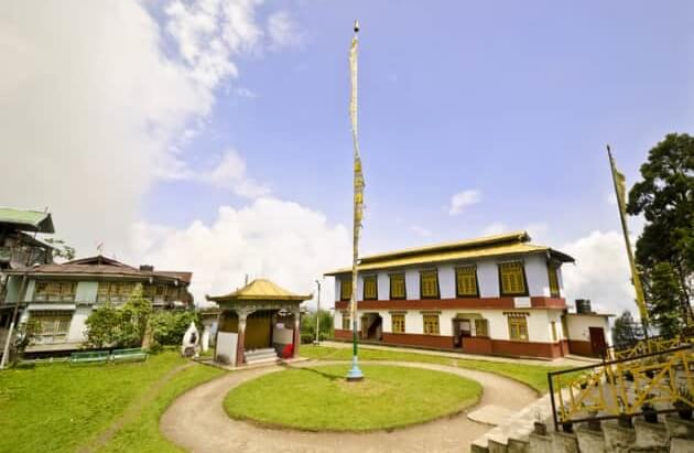 monastery_at_pelling