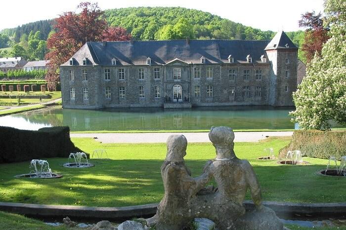 Annevoie Castle