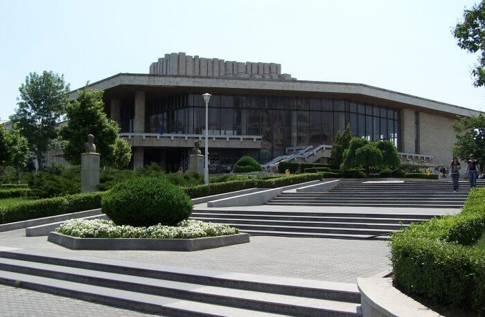 Get Dazzled At National Theatre Marin Sorescu Craiova