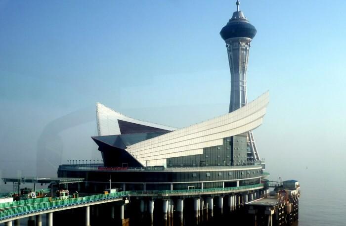Getting Around Hangzhou Bay Bridge