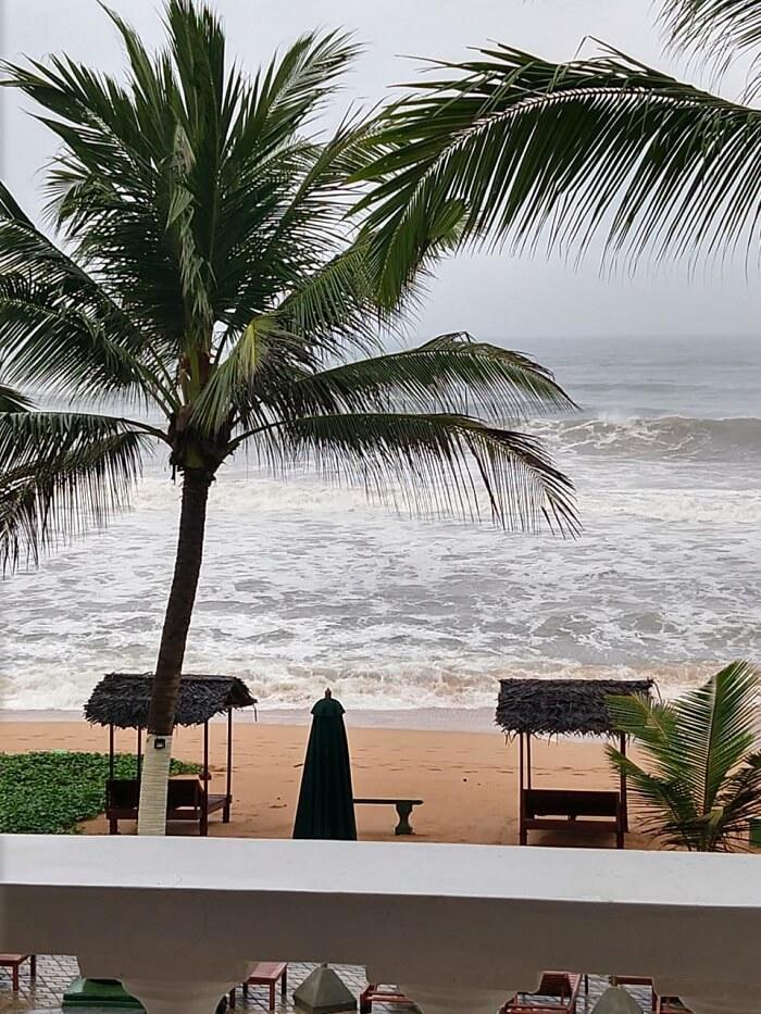 pool side resort sri lanka
