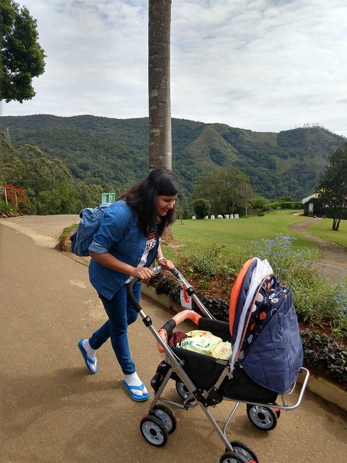 mama and daughter in sri lanka