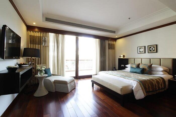 inside room of the jaypee resort