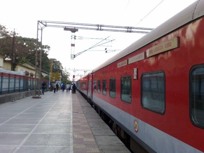 Palghar train near Mumbai