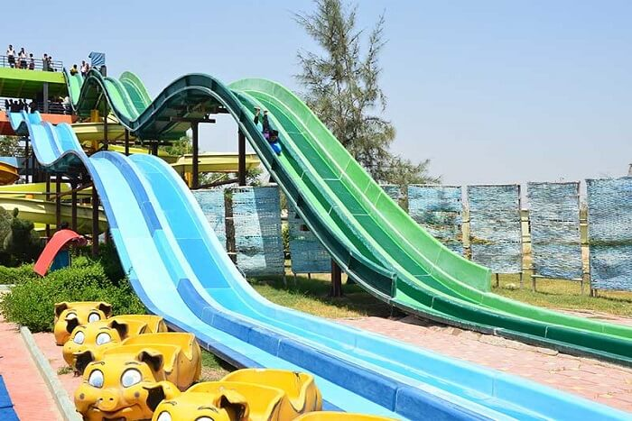 fun rides in water park of gujarat