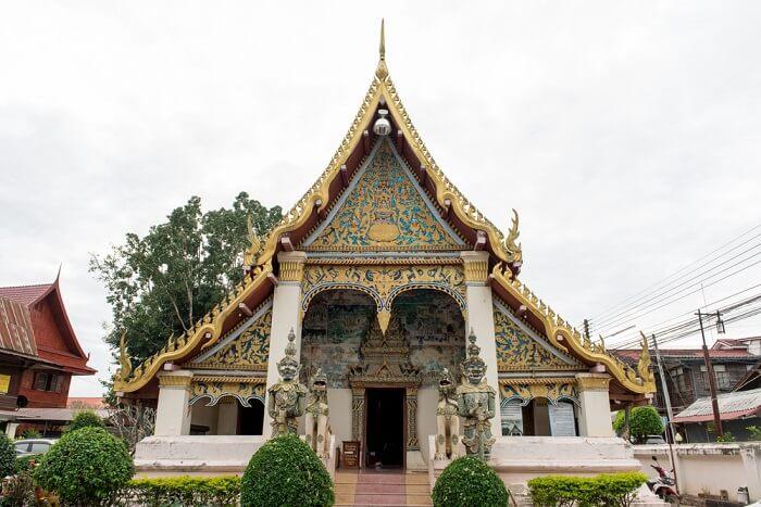famous temple in Loei