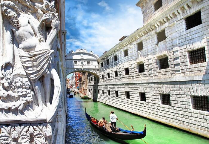 gondola ride to bridge of sighs