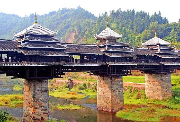 Closer view of Chengyang bridge