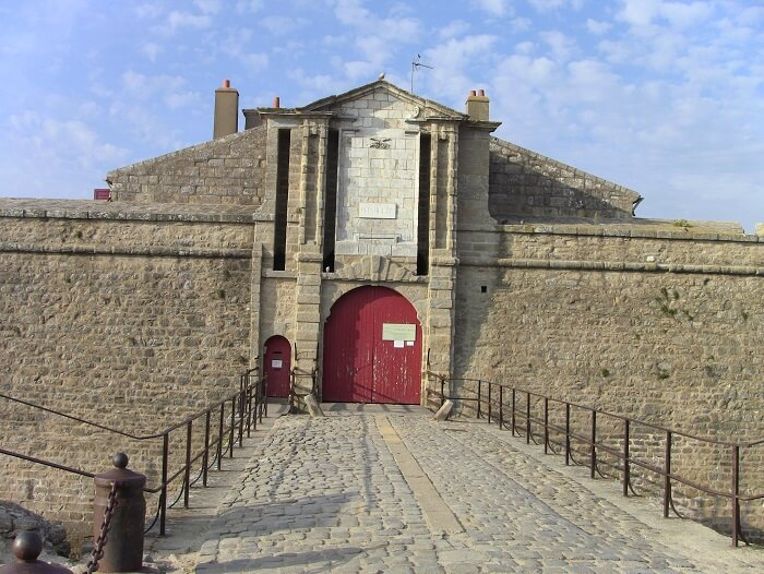 entry to citadel fort