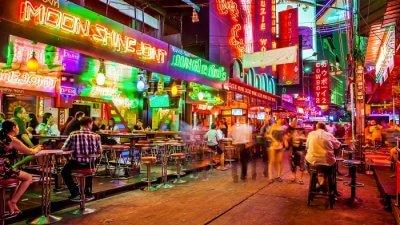 lopburi streets at night