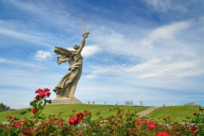 statue of mother land russia