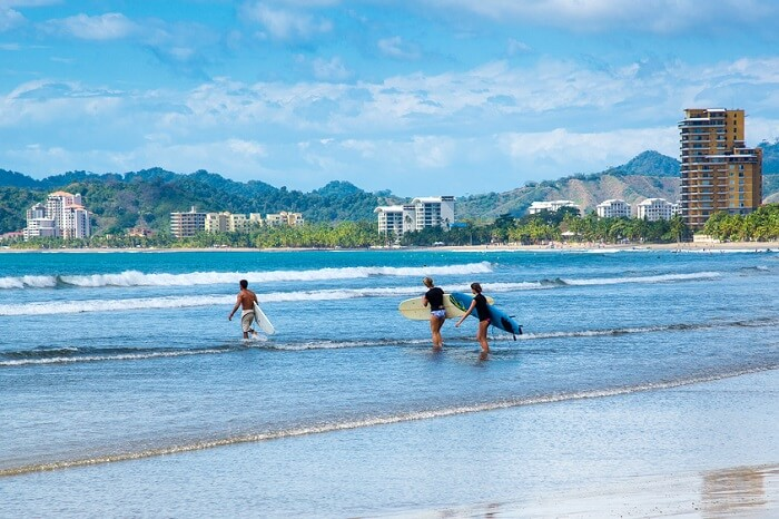 learn surfing at jaco beach
