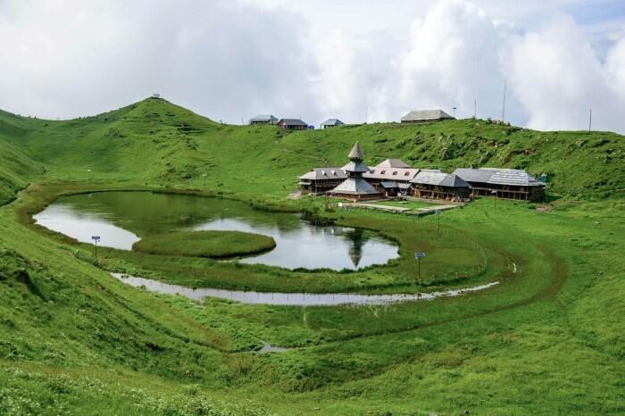 Prashar-Lake-Trek